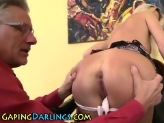 butt rimmed chick sucks old guy
